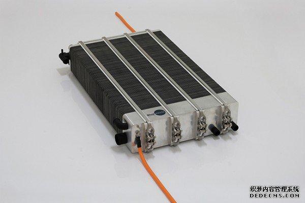 全球首款甲醇燃料电池超跑开始量赤月传说2网页sf产,丹麦赤月传说变态sf科技提供核心部件燃料电池