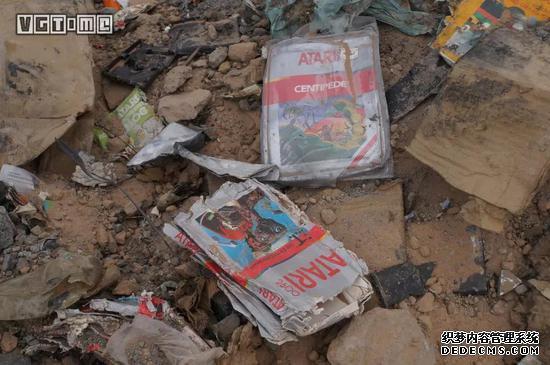 2014年从阿拉莫戈多垃圾填埋场挖出来的雅达利游戏